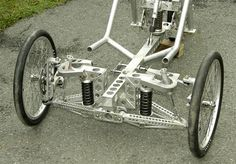 Pictures of homebuilt fully suspended aluminum trike of Julian Edgar from TrikesDigest Quotes from builder: OK. I've been for two decent rides on new trike. Problems are:- Dampers rattle. Trike Bicycle, Recumbent Bicycle, Cargo Bike, Electric Trike, Electric Cars, Three Wheel Bicycle, Reverse Trike, Suspension Design, Pedal Cars