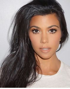 #kourtneykardash #makeup   x @therealchristinalee #BEAUTY: therealchristinalee.com