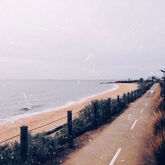 Beach, road, and aesthetic image Disney Instagram, Instagram Girls, Moleskine, Photo Summer, Videos Tumblr, Nail Art, Portraits, Street Style, Landscape Illustration
