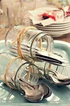 Decoração de chá de panela - potes de vidro como porta talheres