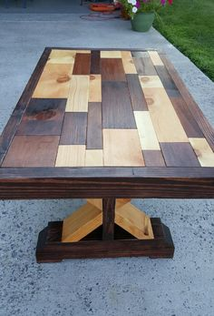 Artisan Coffee table (solid and recycled wood) One of a kind, brand new and made in a small PA workshop. This coffee table took about t… Wood Pallet Furniture, Rustic Furniture, Wood Pallets, Diy Furniture, Reclaimed Wood Kitchen, Reclaimed Wood Coffee Table, Kitchen Wood, Scrap Wood Projects, Woodworking Projects Diy