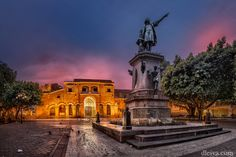 Dominican Republic, Santo Domingo, Zona Colonial, statue of Columbus and Primada de America cathedral