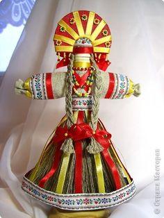 """Лада"" » ProstoDelkino.com - поделки своими руками. Art Dolls, Doll Clothes, How To Memorize Things, Christmas Ornaments, Rage, Creative, Holiday, Handmade, Crafts"