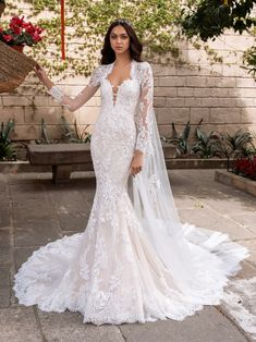 Today, we're focusing on core collection, Pronovias which is extensive to say the least . To celebrate the brand's anniversary, Pronovias is re Mermaid Gown, Mermaid Dresses, Wedding Dress Sizes, Wedding Gowns, Wedding Dress Cape, Bridal Outfits, Bridal Dresses, Pronovias Wedding Dress, Bridal Gallery