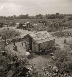 Hooverville Elm Grove, Oklahoma, by Dorothea Lange, 1936