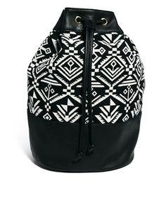 Bild 1 von New Look – Rucksack mit Ikatmuster und Kordelzug