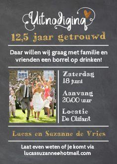 Hippe enkel uitnodiging voor jullie huwelijksjubileum feest met krijtbord print! Met vaste lijnen, ruimte voor jullie eigen foto en losse teksten.