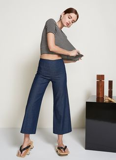 The Oscar Culottes are our easy and elegant alternative to jeans. They have an extra-thin waistband, a relaxed fit throughout, ending in a sleekly flared leg opening.  Pair this high-waisted bottom with our Finn Top for an effortless two-piece set.