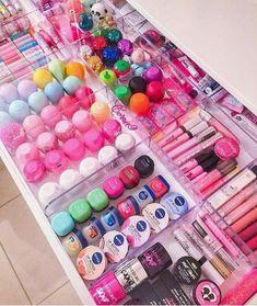 Super makeup room ideas diy make up tips ideas Cute Makeup, Beauty Makeup, Diy Makeup, Beauty Tips, Beauty Products, Lip Care Products, Makeup Ideas, Makeup Room Diy, Eos Products