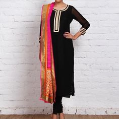 """""""Simple & classy  Black straight kurta with golden bling border with a bright zari dupatta❤️ Colour can be customised  DM or whatsapp for details…"""""""