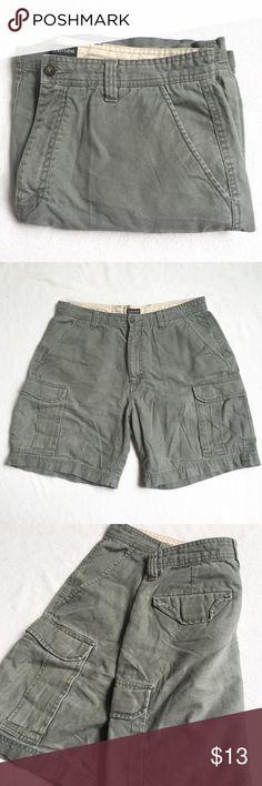 St John's Bay Green Cargo Shorts EUC. Relaxed Fit. St. John's Bay Shorts Cargo