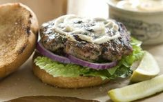 Lakeside Turkey Burgers // This is what you should have for dinner! #summer #grill #burger #recipe