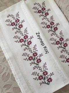 Cross Stitch Boarders, Biscornu Cross Stitch, Cross Stitch Alphabet, Cross Stitch Flowers, Cross Stitch Patterns, Hand Embroidery Dress, Crewel Embroidery, Cross Stitch Embroidery, Bordados E Cia