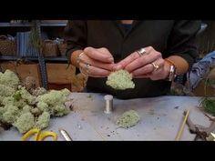 Blomsterværkstedet laver engel i hvid mos - YouTube