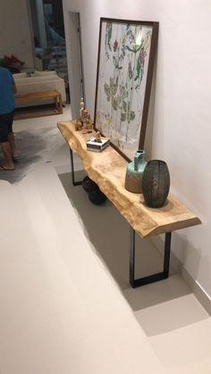 Aparador maravilhoso de Imbuia clareada com pés de ferro preto! #madeirado