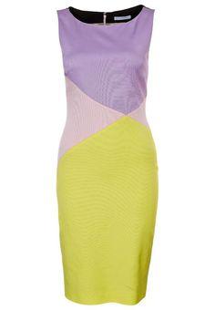 FASZINIERENDE Farbkombination für den Frühlingfarbtyp: Veilchen (Farbpassnummer 23), Viola (Farbpassnummer 18) und Limettengrün (Farbpassnummer 26) Kerstin Tomancok Farb-, Typ-, Stil & Imageberatung