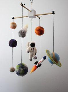 móbile de astronauta