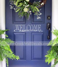 Blue front door decor curb appeal ideas for 2019 Front Door Entrance, Front Door Colors, Glass Front Door, Front Entrances, Front Door Decor, Entry Doors, Wreaths For Front Door, Glass Doors, Door Wreaths
