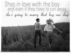 Shes in love with the boy - Trisha Yearwood