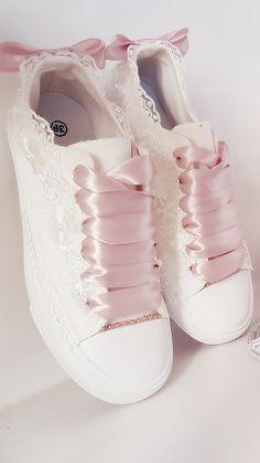 Sock Shoes, Cute Shoes, Me Too Shoes, Shoe Boots, Shoes Sandals, Shoes Sneakers, Flats, Bridal Shoes, Wedding Shoes