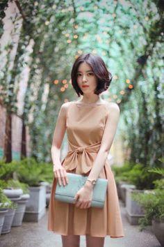 Yun Seon Young milkcocoa women t Korean Fashion Winter, Korean Street Fashion, Asian Fashion, Asian Woman, Asian Girl, Cool Outfits, Fashion Outfits, Style Casual, Yoon Sun Young