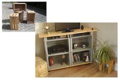 Meuble TV réalisé à partir d'anciennes caisses à pommes. Plateaux en sapin. Sur roulettes.