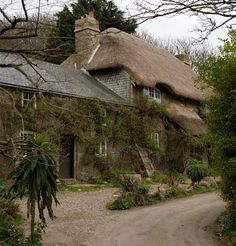 Thatched cottage in Cornwall.