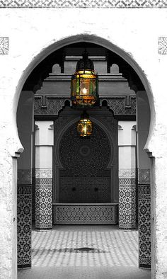 Morroccan door, black & white.