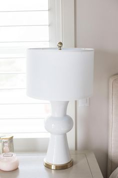 The Best White Lamps for a White, Clean and Fresh Home! I scoured the internet for hours finding the perfect white lamps! These will make your bedroom feel light and airy! I am working on a huge bedroom makeover and these lamps were just what I was looking for! White lamp | Home decor | White home decor | Bedroom decor | Bedroom ideas | Bedroom ideas master