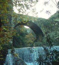 Νομός Λακωνίας - Ξηροκάμπι - Γεφύρι Στο Ξηροκάμπι - χείμαρρος Ρασίνας Old Bridges, Homeland, Waterfalls, Greek, Inspirational, Stone, Pictures, Photos, Rock