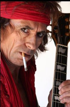 Impersonator Keith Richards.. So if you don't know this ain't KR!!
