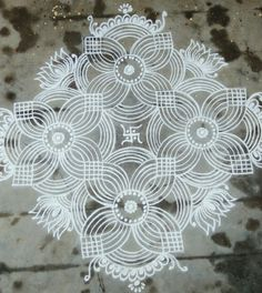 35 Best Mandala Rangoli designs to try - Wedandbeyond Indian Rangoli Designs, Simple Rangoli Designs Images, Rangoli Designs Latest, Rangoli Border Designs, Rangoli Patterns, Rangoli Ideas, Rangoli Designs With Dots, Mehndi Art Designs, Beautiful Rangoli Designs