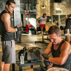 Chicago Pd Halstead, Jay Halstead, Chicago Med, Chicago Fire, The Cw Shows, Tv Shows, Kim Adams, Chicago Shows, Jesse Lee