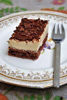 Prajitura cu nuca si mascarpone Cake Design For Men, Cake Recipes, Dessert Recipes, Tiramisu Cake, Cakes For Men, Healthy Desserts, Deserts, Food Porn, Good Food