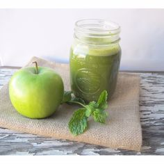 The Bloat Antidote Juice (kale, cucumber, pineapple or apple, celery, mint, ginger, lemon)