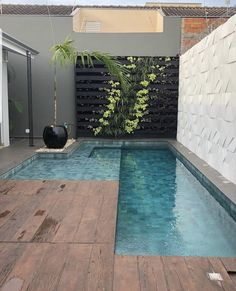 Stylish 37 Inspiring Small Backyard Pool Design Ideas For Your Relaxing Place Small Backyard Pools, Backyard Pool Designs, Small Pools, Swimming Pools Backyard, Swimming Pool Designs, Backyard Patio, Backyard Landscaping, Kleiner Pool Design, Small Pool Design