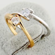 Full Sizes Simple Design Copper Finger Ring Inlay White Clear Zircon Two Colors