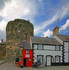 The smallest house in Great Britain, Conwy, Gwynedd, North Wales (Red Building)