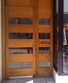 ecco-door.jpg (1167×1442)