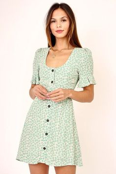 FashionGo is an online wholesale clothing marketplace where hundreds of manufacturers and wholesalers provide clothing, apparel, accessories, shoes, handbags and a variety of fashion related items. Hanging Wardrobe, Green Play, Button Down Dress, Play Dress, Wholesale Clothing, Pretty Dresses, Summer Dresses, Clothes For Women, Womens Fashion