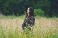 Kim Ji Won, Korean Actors, Actors & Actresses, High Neck Dress, Artists, Fashion, Turtleneck Dress, Moda, Fashion Styles