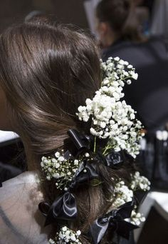 Inspiration Mode Backstage at Rodarte Spring Summer 2018 Spring Hairstyles, Loose Hairstyles, Braided Hairstyles, Hairdos, Back Braid, Medium Long Hair, Natural Hair Styles, Long Hair Styles, Spring Summer 2018