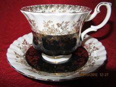 Exquisite Black & Gold Royal Albert Regal Seriers Tea Cup and Saucer Set