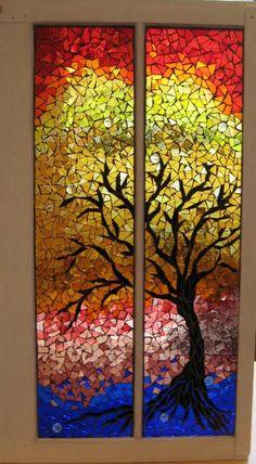 Herbstbaum Mosaik als Fensterdekoration-bunte Fensterfarben Ideen