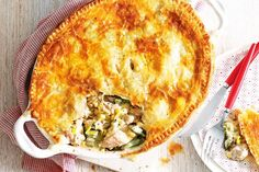 Chicken, leek and corn family pie main image