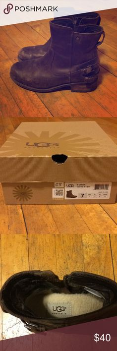 Women's Ugg Australia Orion Women's Ugg Australia Orion. Brown. Size 7. Slightly worn. Warm and comfortable! UGG Shoes Ankle Boots & Booties