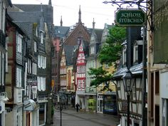 Montabaur is a town near Koblenz in Rheinland-Pfalz, Southwestern Germany. It's known for its strikingly yellow castle and its ICE (InterCityExpress) railway station on the Cologne-Frankfurt high-speed rail line. The Altstadt (old town) distinguishes...