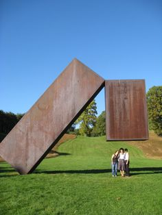 25 Mind-Boggling Sculptures that Defy The Laws of Physics