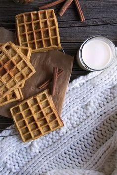 Nut Spekulatius waffles - waffles for breakfast, my waffle love - Nut speculoos waffles – A waffle poem Best Picture For Easter Recipes Dessert videos For Your T - Christmas Desserts, Christmas Baking, Breakfast Hotel, Breakfast Waffles, Cheesecake Recipes, Dessert Recipes, Crepes And Waffles, Churro Waffles, Best Pancake Recipe