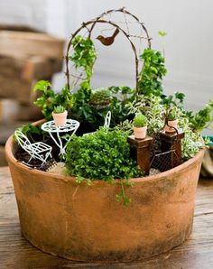 #DIY Adorable DIY Fairy Garden Fairy gardens are quite basically micro gardens, so you can easily build your own with little space and a creative mind. #Gardening #IndoorGardens #MiniatureGardens #Succulents